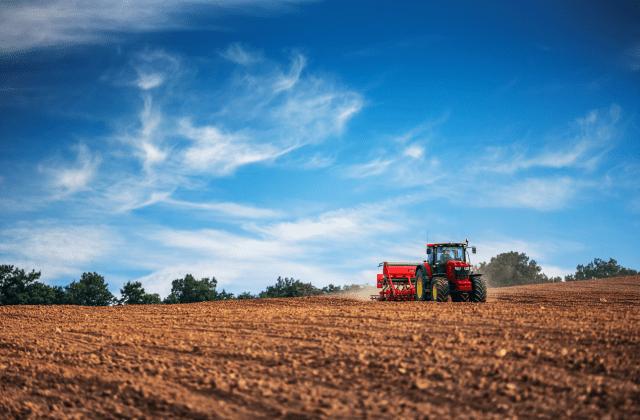 Nationwide farm equipment supplier